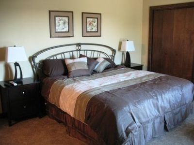 Okoboji cabin rental - master bedroom with king bed