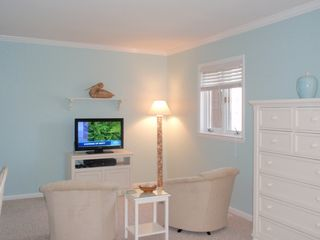 Bethany Beach townhome photo - The sitting area in the master bedroom features a 32 in. flat screen television.