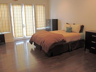 Rancho Santa Fe estate photo - Main Home Bedroom #2 - Queen, Full Bath, Private Entrance