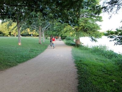 2 Blocks Away Hike & Bike Trail/ Lady Bird Lake