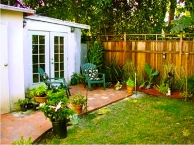 THE COTTAGE:  Enjoy our garden and citrus trees from the patio