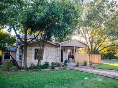 Austin house rental - Front of home, sitting area on private front porch