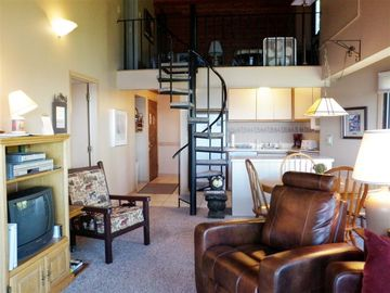 Spiral staircase to second level loft & bedroom. Unit 1010 - 3 bedroom/6 people
