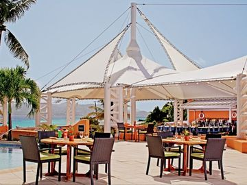 Beachfront dining at Coconut Cove