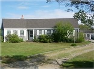 Nantucket Town house rental - Quiet house on the end of a private Lane