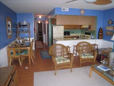 Surf City condo rental - Living Kitchen