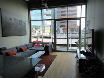 Great luxury in a safe fun corporate  condo in Downtown Los Angeles.
