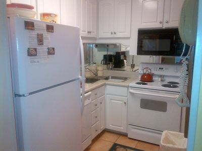 Gulf Resort Beach townhome rental - Kitchen
