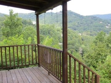Mountain Lodge Realty Moonshine Ridge View from front porch