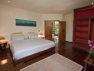 Manuel Antonio villa photo - Master bedroom (Casa Luz - upstairs)