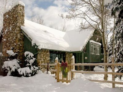 COZY WINTER WONDERLAND HOME! GREAT START TO SNOW SEASON - SEE NEXT 3 PHOTOS!!!