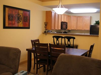Living/Dining Room, Breakfast Bar