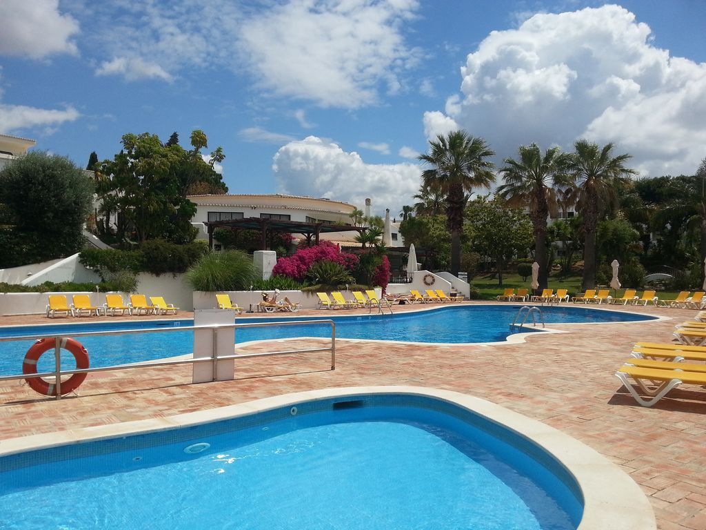 Luxury apartment in 5 alto club discount homeaway for Luxury pool area