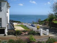 Shanklin holiday home close to the beach with stunning sea view