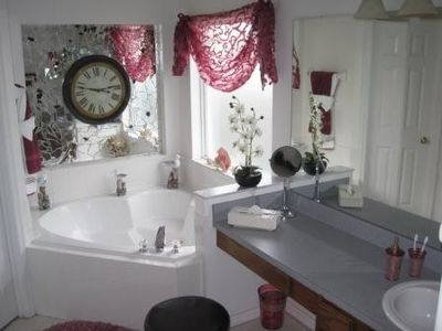 Master ensuite with jacuzzi jetted tub. Pure luxury