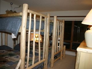 Big Sky condo photo - Two Lodgepole Pine Bunk Beds