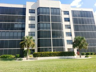 Punta Gorda condo photo - View of the building from the marina walkway