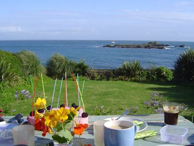 'Like being on an Island' Dreamy sea views, gated garden, access to sea, 4-12