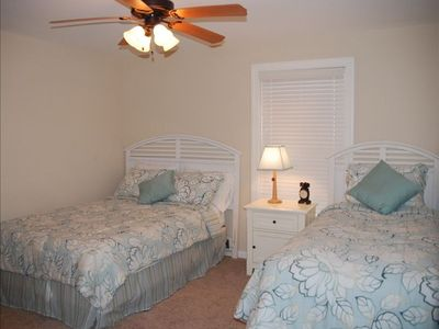 3rd Bedroom, full size and raised twin bed