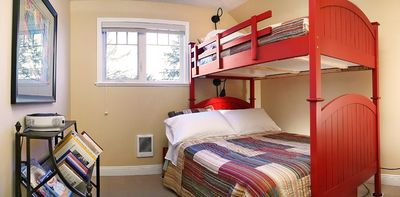 Sidney house rental - Kids love the bunk beds!