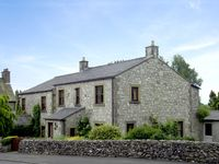 STONE END COTTAGE, pet friendly in Austwick , Ref 1804