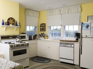Monomoy house photo - Kitchen