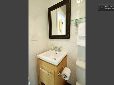 Asheville farmhouse rental - Sparkling clean bathroom with all new fixtures, tile, vanity and towels.
