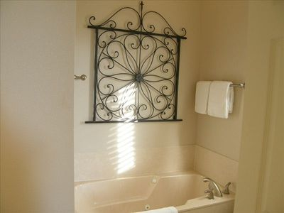 Seagrove Beach house rental - Master En Suite Bathroom. Jetted Tub for 2, Walk-in Shower, 2 Sinks & Vanities