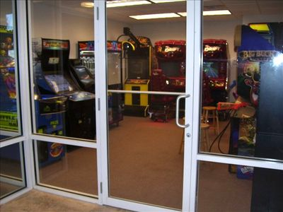 Game room for kiddos entertainment...bring your quarters!