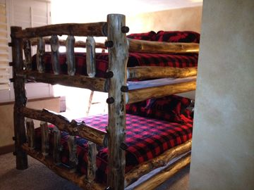 Queen bunk bed in upstairs bedroom. This room also has a pullout twin bed.