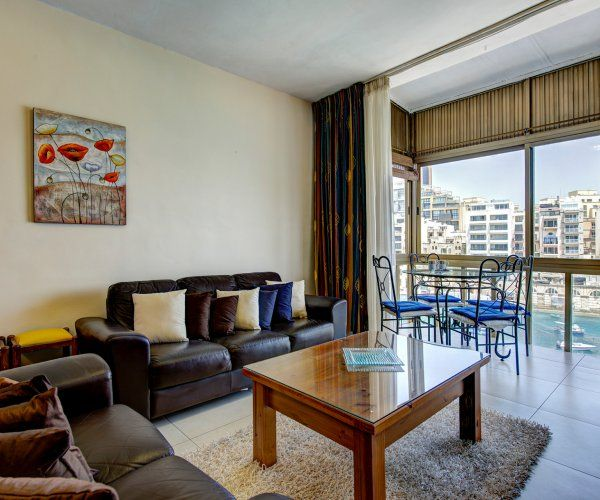 Water's Edge 2-bed Seafront St Julians Apartment: 2 BR Vacation ...