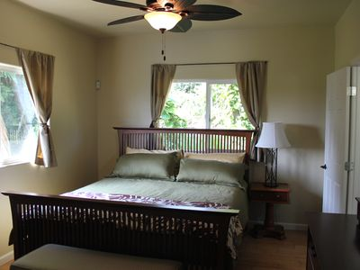 Hakalau house rental - Master bedroom