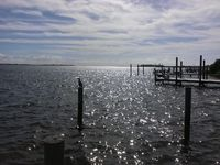 NEW! Gulf/Bay Views! Dock& Fish poles Table games Scrn & Rec rm Jacuzzi showers!