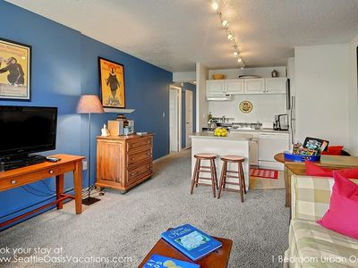 Cozy 1 Bedroom Urban Oasis-Available 8-18 to 8-24!