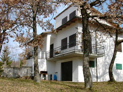 House with a park of 4000 sqm fenced, with oak and chestnut trees suitable for dogs