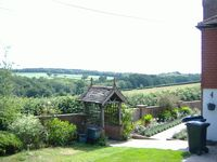 Log Cottage in Quiet Picturesque Countryside near Battle Sussex