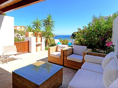 Beach house with sea view for 6 persons (110m2), on a beautiful sandy beach