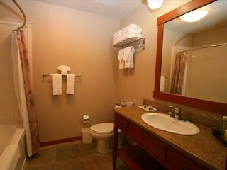 Mammoth Lakes condo photo - Granite and slate bathroom with tub/shower combination