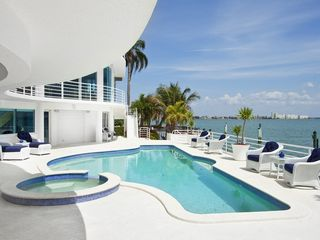 St Pete Beach house photo - 36 ft pool,jacuzzi,resort style lounge chairs,8 seat dining table,private beach.