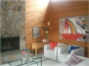 Cannon Beach house rental - Living Room with Fireplace
