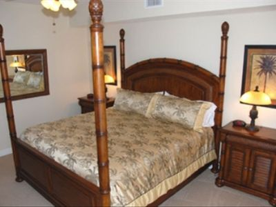 Master Bedroom - King Poster Bed