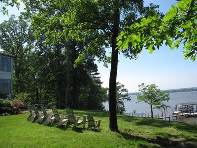Serene and charming Guest House with views of the  James River