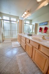 Las Vegas townhome photo - Large Master Bathroom with Duel Sinks