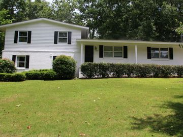 Auburn house rental - Cute, split level home