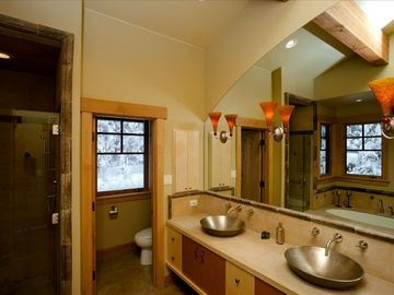Spacious Master Bath with Jetted Tub
