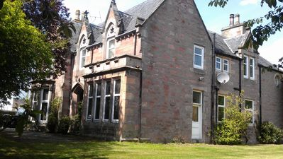 ***** Large Luxury Victorian House In The Heart Of The Highlands
