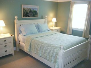 Queen size bed - Pocasset house vacation rental photo