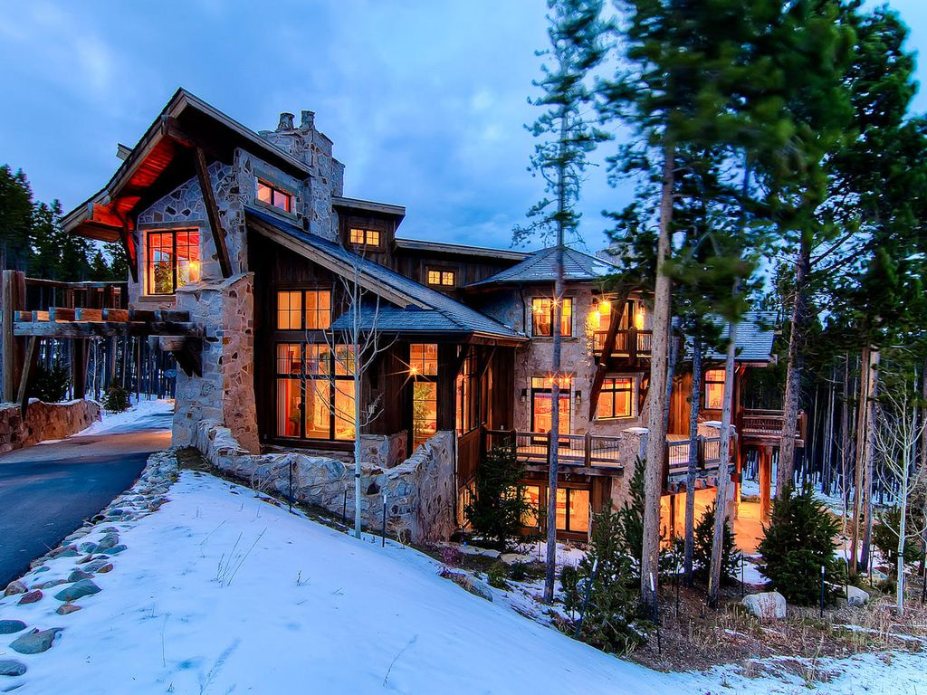 Experience Unparalleled Luxury In This Unique Vrbo