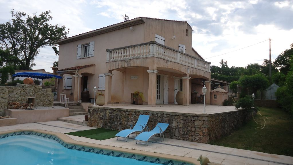 Appartement avec piscine r gion de brignoles homelidays for Piscine de brignoles