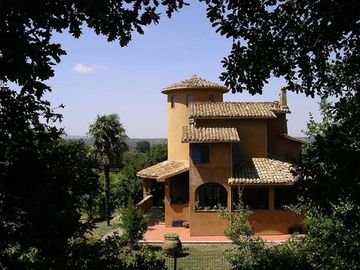 Orte villa rental - Arriving at Le Terrae